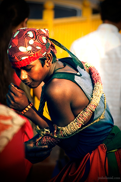 Boy in Mumbai whipping himself