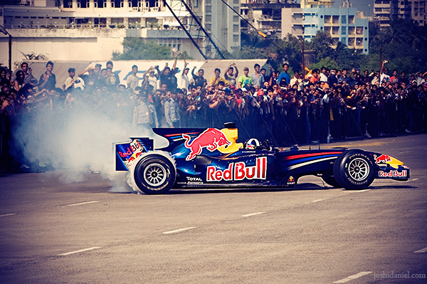 David Coulthard doing 360 degree spin-offs in the Red bull speed link show run in the Bandra - Worli sea link, Mumbai