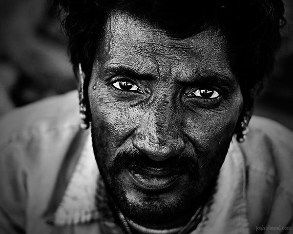 Black and white portrait of a blacksmith from Jaisalmer in Rajasthan