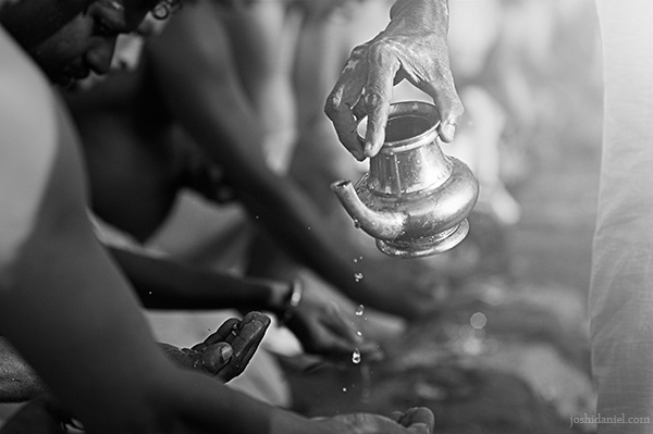Hindus performing the annual Karkidaka Vavu Bali at the Shankhumugham Beach in Trivandrum