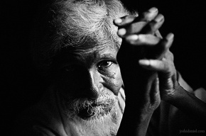 Black and white portrait of an old man from Kanchipuram, Tamil Nadu