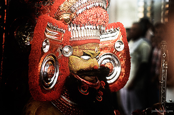 Muthappan Theyyam performance at Parassinikkadavu temple in Kannur