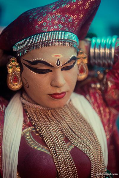 Portrait of a Kathakali performer in Minukku vesham