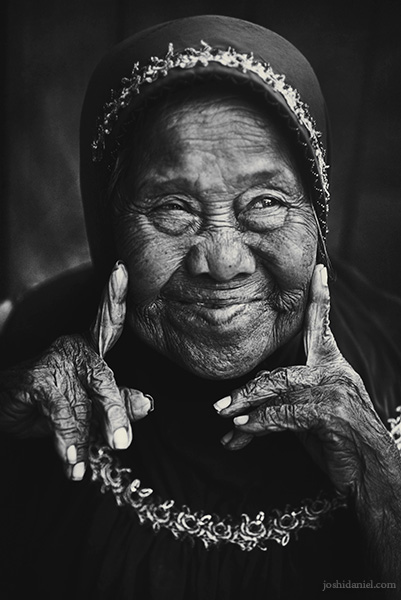 Black and white portrait of an old lady in Beringharjo market, Yogyakarta, Indonesia