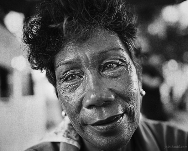 A 28mm wide angle black and white portrait of a lady from White Beach, Boracay, Philippines