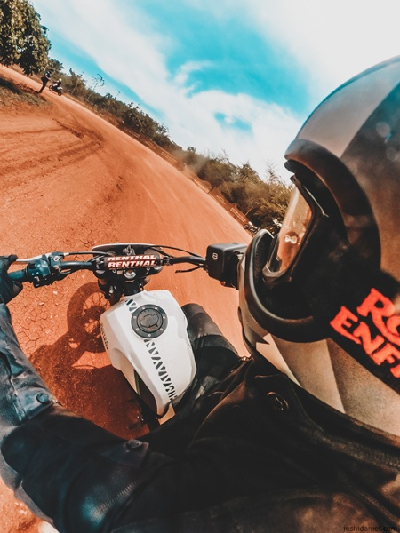Sliding on the FT 411 Flat Tracker at Royal Enfield Slide School | BigRock Dirtpark, Karnataka, India