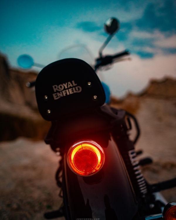 Royal Enfield Meteor Supernova Blue  brake light